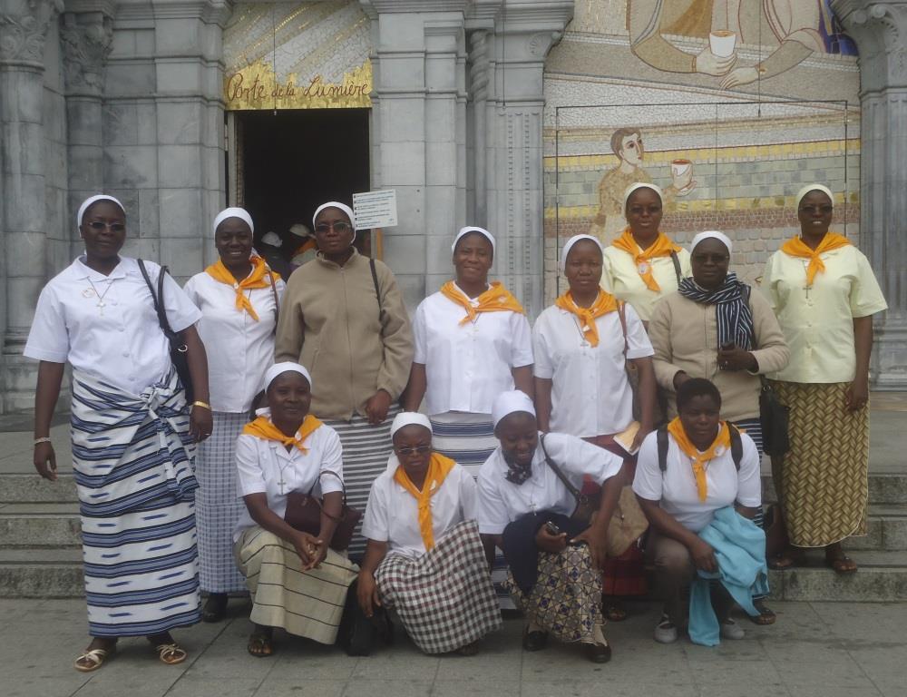 photo des soeurs africaines à Lourdes